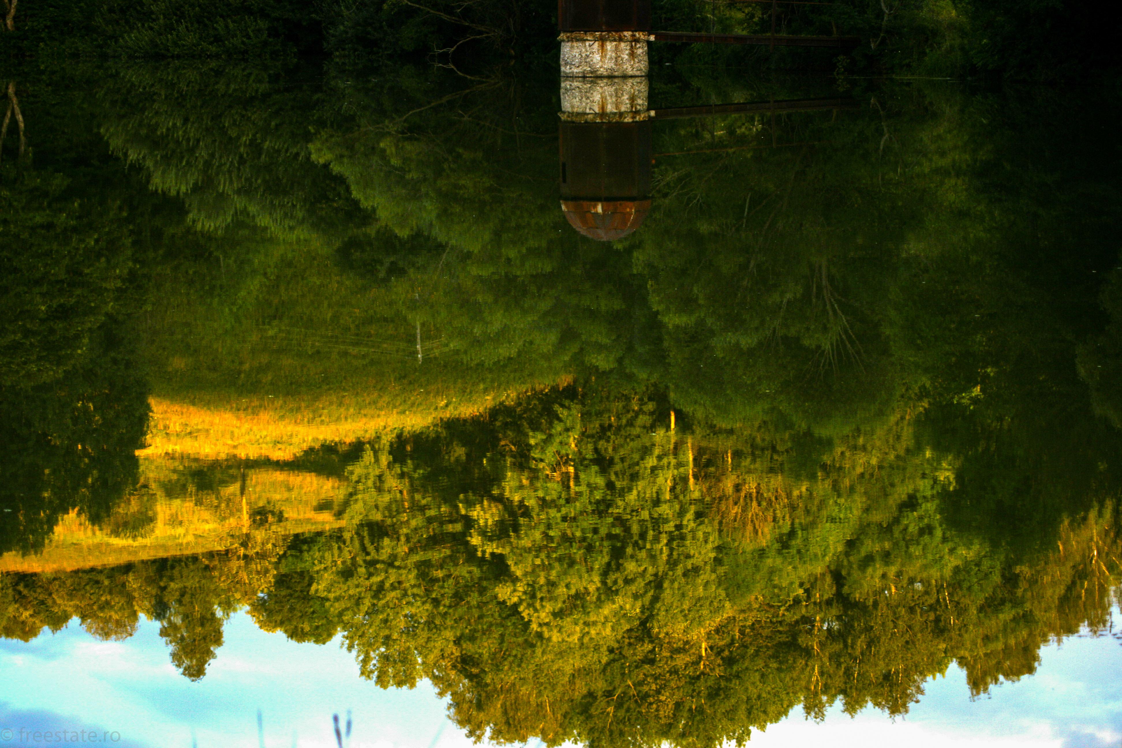 rosia montana lake